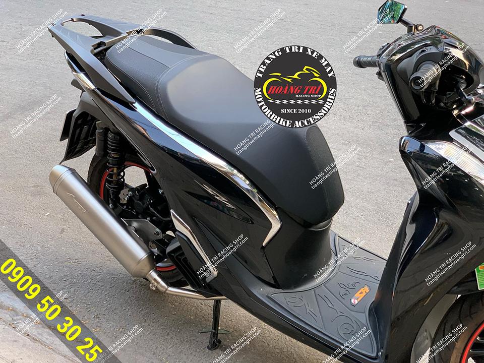 Nẹp sườn kiểu SH 300i gắn SH 2020 màu đen