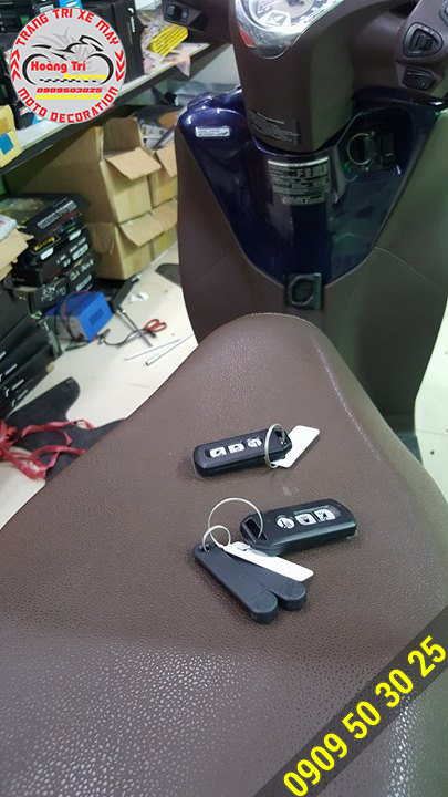 Khách hàng làm thêm 1 remote sơ cua