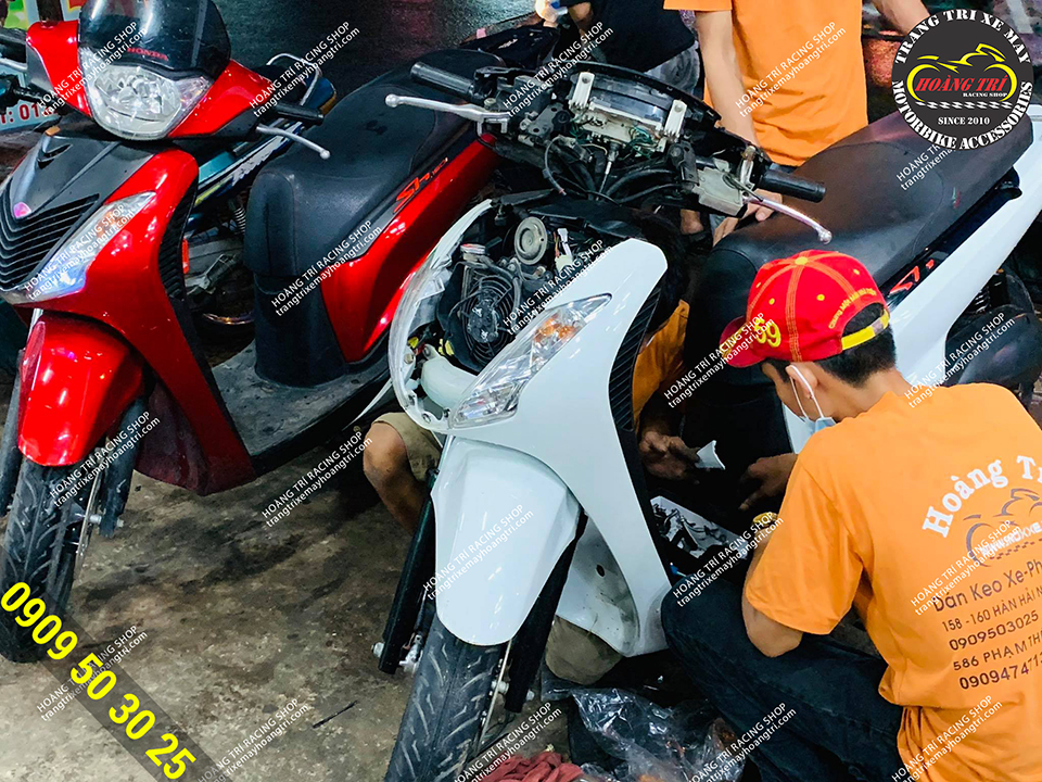 SH Ý màu trắng lắp smartkey khóa chính hãng Honda