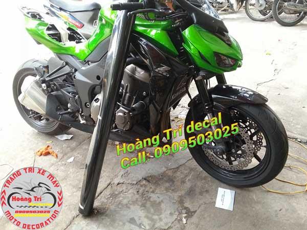Ngoài ra còn dán cho Kawasaki Z1000 với màu đen tuyền huyền bí