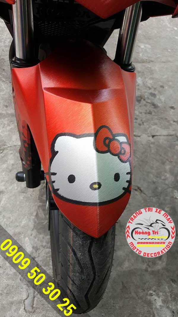 Dán tem nhôm xước hello Kitty xe Winner 1