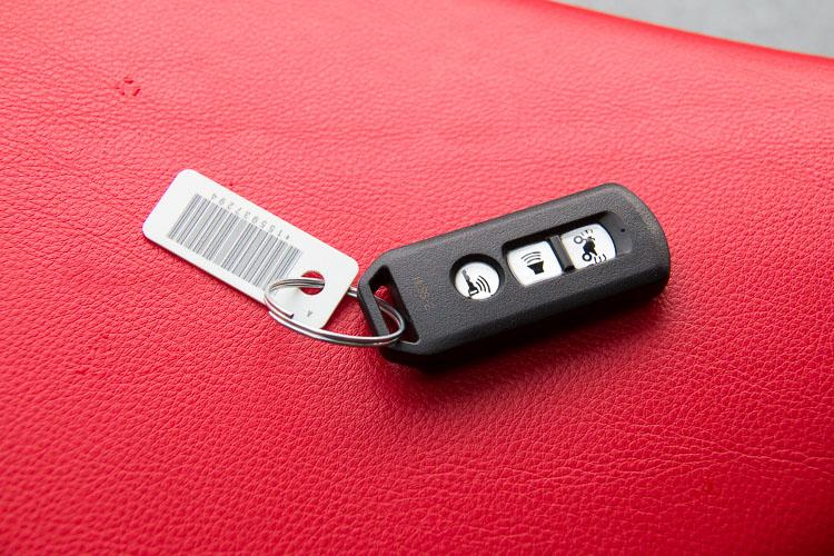 Remote 3 nút full chức năng trên Honda Super Cub C125