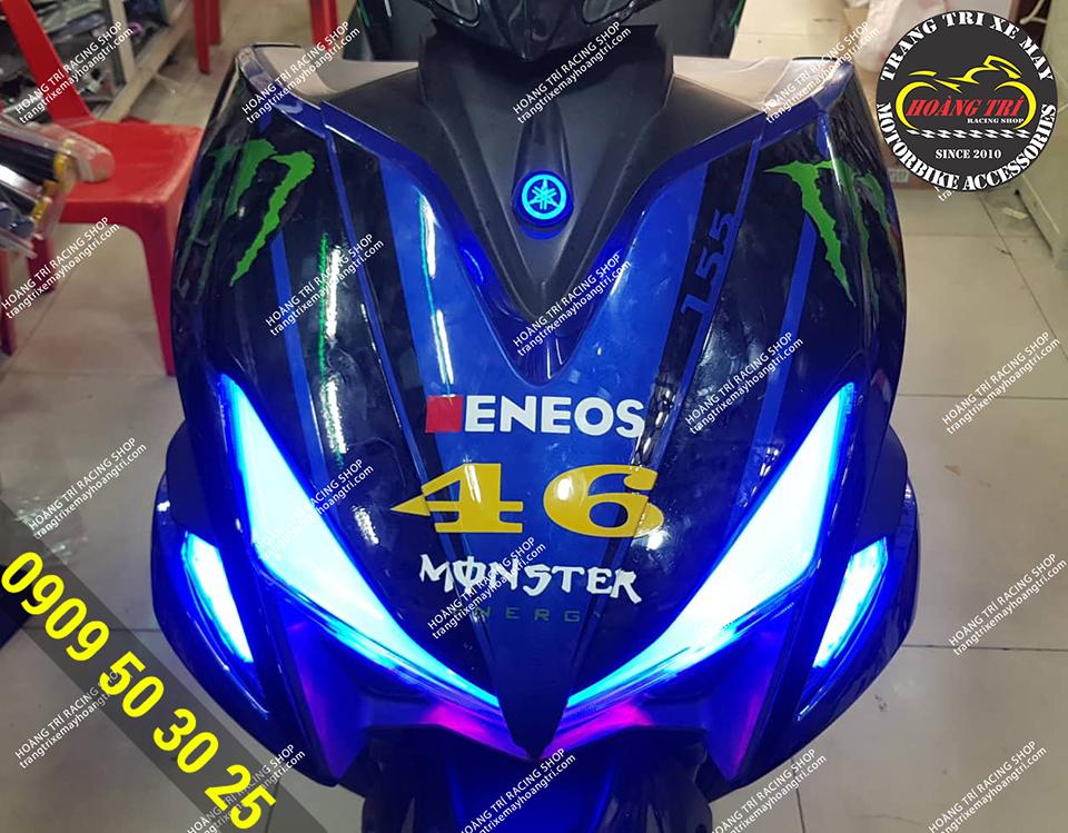 LED Demi kết hợp với đèn LED logo Yamaha tông xanh huyền bí