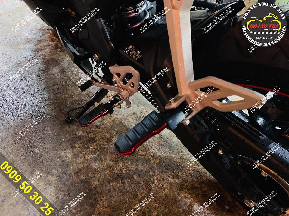 Gác chân GTR Thái Lan được thay thế gác chân zin trước sau