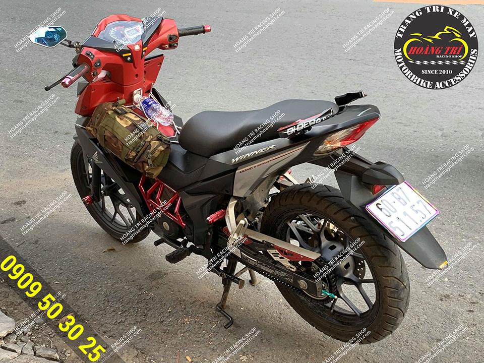 Hông gió Ducati cũng được lên trên xế cưng Winner V1