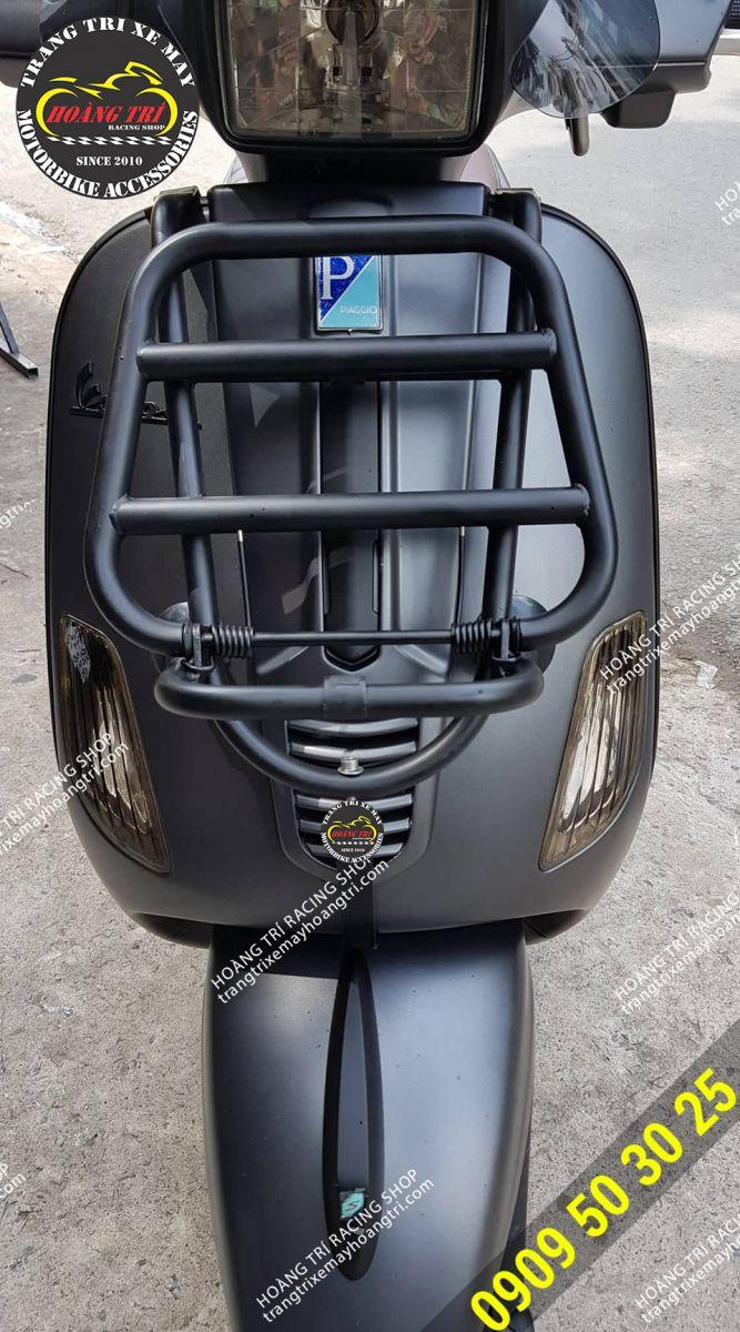 Vespa S đen nhám lên baga trước sơn tĩnh điện