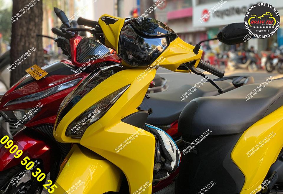 Dàn áo màu vàng ngất ngây - màu của Vespa 2019