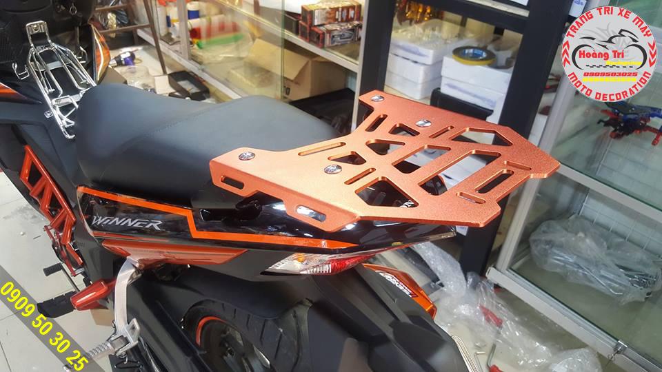 baga GIVI màu cam tông sẹc tông với xế cam