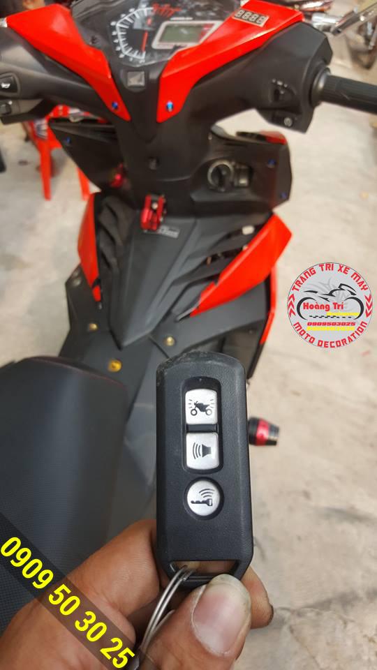 Smartkey kèm theo bộ điều khiển từ xa của Honda