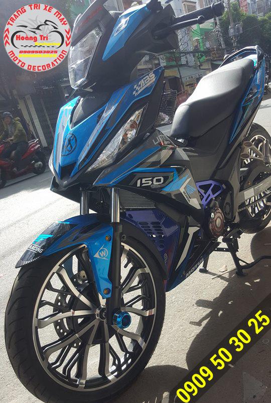 Mâm kuni bạc kết hợp với màu sơn xanh dương mới của Winner 150
