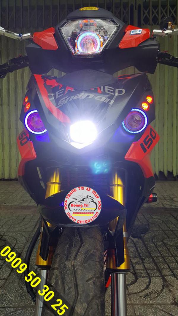 Test độ sáng của đèn L4 trên mặt nạ winner