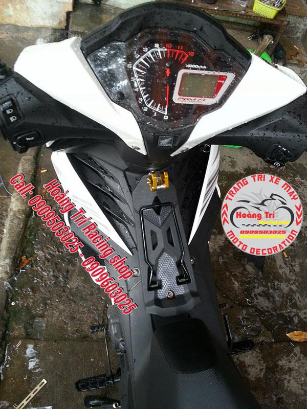 Móc treo đồ biker được chụp từ trên