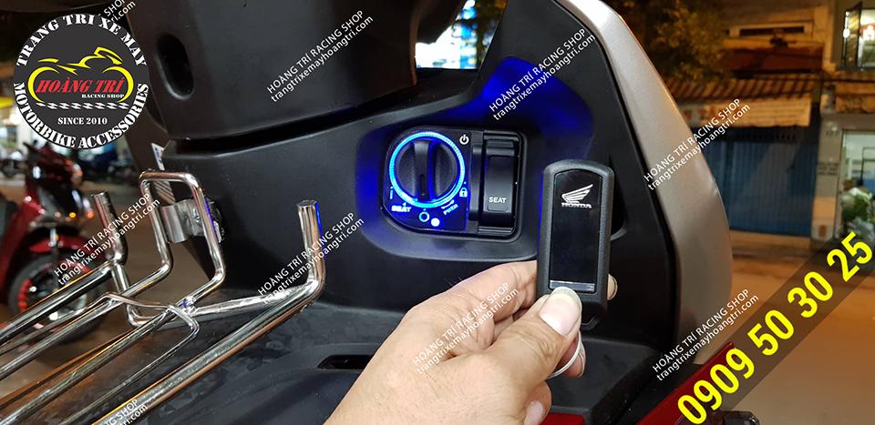 Remote chính hãng Honda có logo Honda