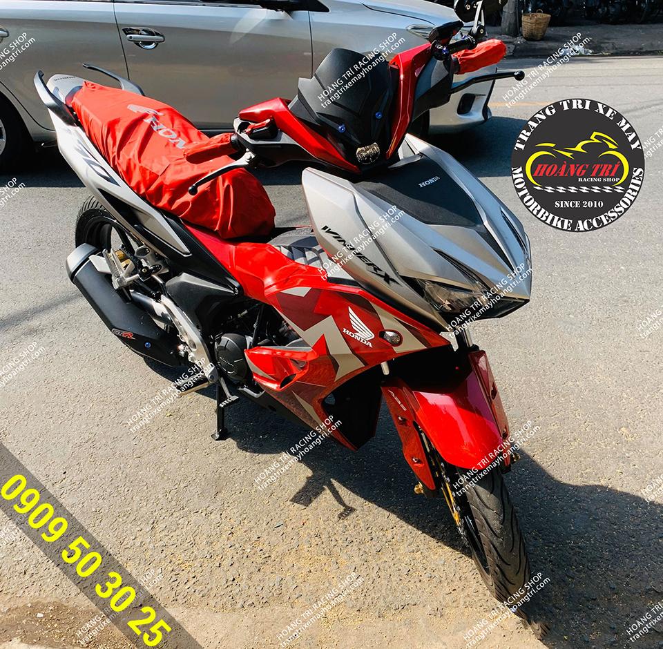 Winner X đã được trang bị áo bọc yên xe máy màu đỏ