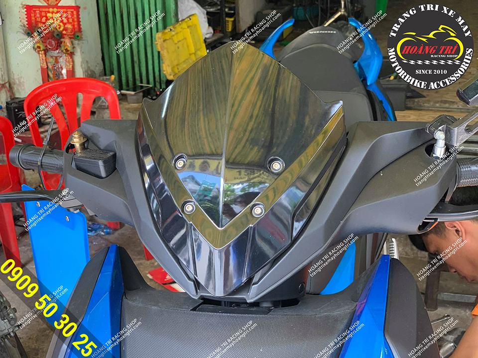 Chắn gió kiểu Z1000 gắn cho Winner X